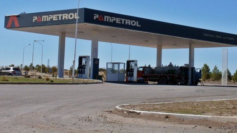 Pampetrol proyecta estaciones de bandera en Chacharramendi y Metileo