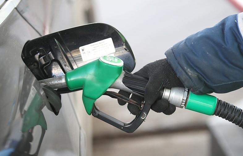 Los combustibles vuelven a subir en agosto: entre el 2 y 5 por ciento