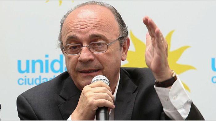 Moreau le pidió a Alberto que apure la reglamentación del impuesto a la riqueza