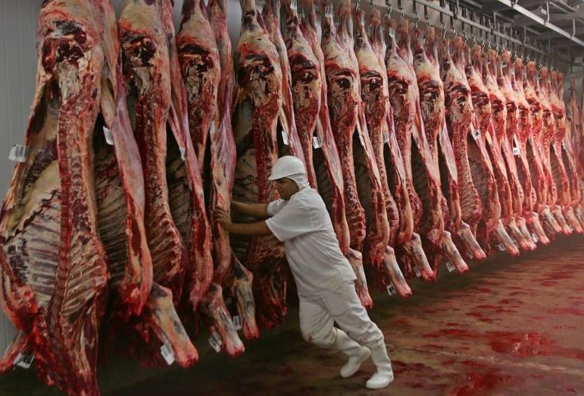 El consumo de carne cayó a mínimos históricos mientras crecen las exportaciones