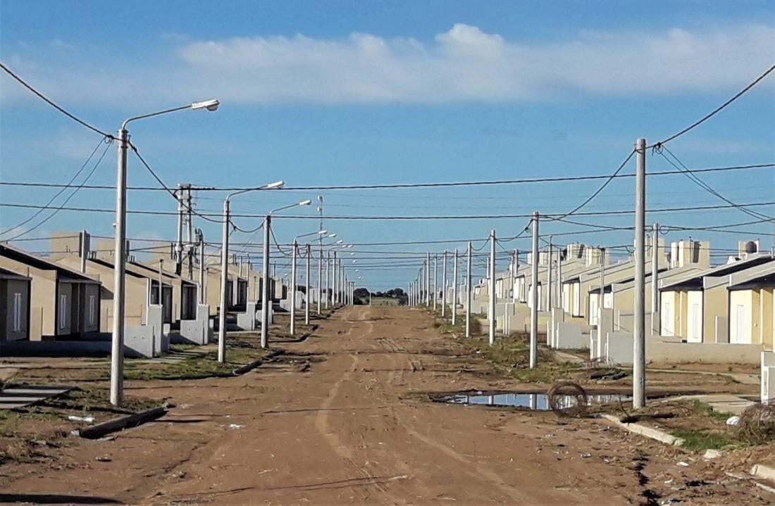 Plan provincial de mil viviendas: «Está demorado, pero no suspendido»