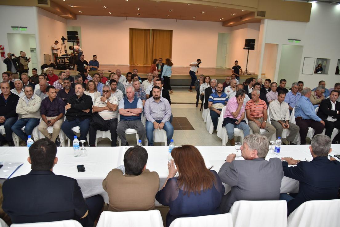 77 jefes comunales salieron a respaldar la gestión de Ziliotto ante la pandemia