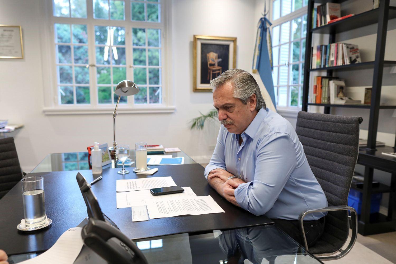 Alberto Fernández volvió a despegarse de las prisiones domiciliarias por coronavirus