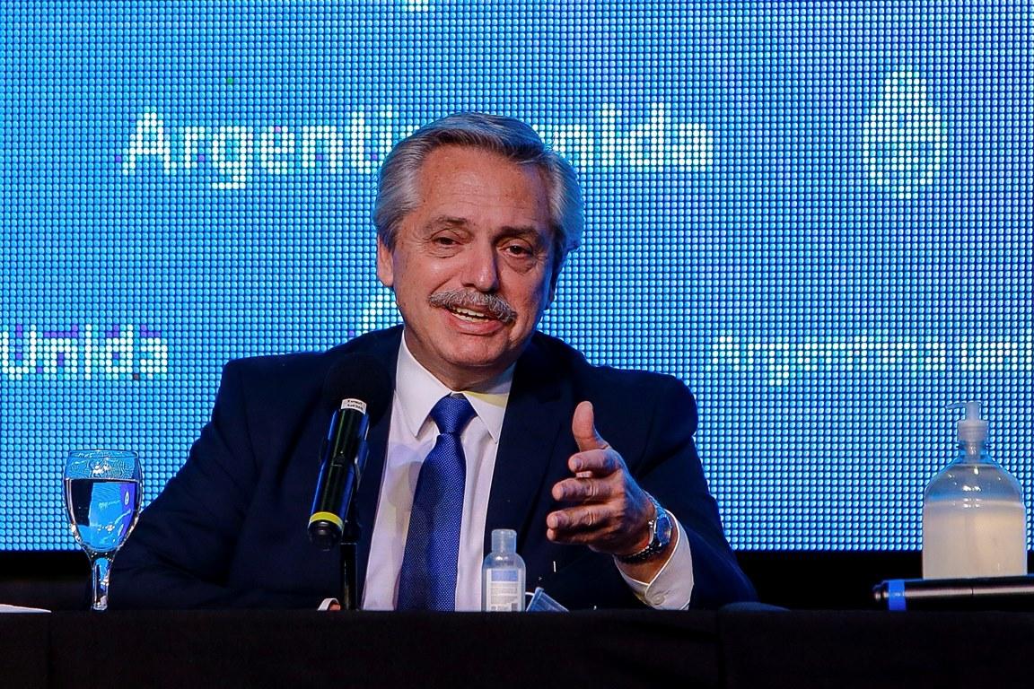Fernández: «Volvemos a entrar el mundo dignamente»