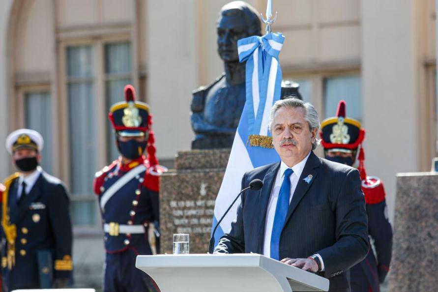 Fernández: «Tenemos que reconstruir un país que dejaron aniquilado económicamente»