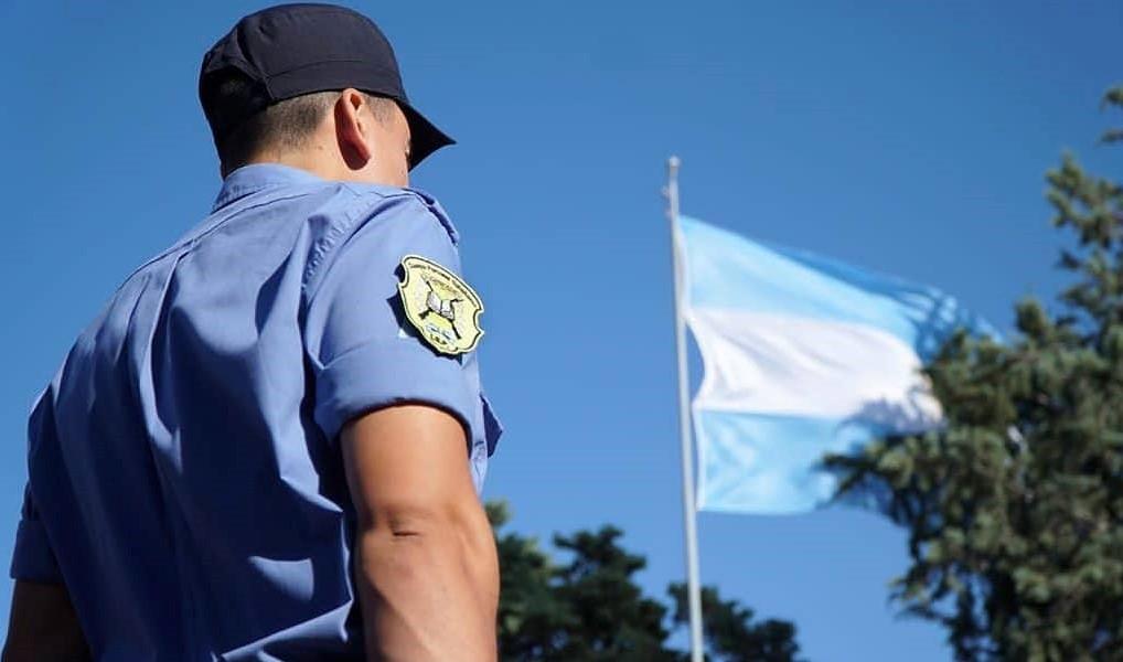 Nueva ley para la Policía: qué establece sobre las licencias, las bajas y los traslados