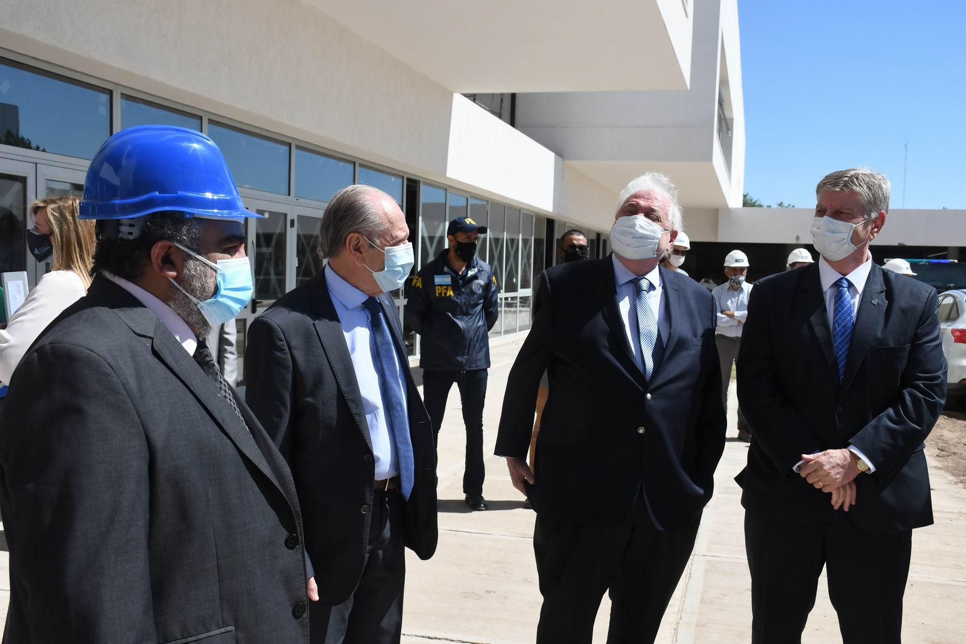 """Ginés y el nuevo hospital: """"Rompe con la idea de que los hospitales públicos son para pobres"""""""