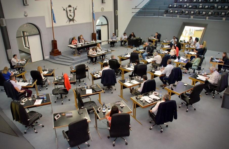 """Diputados, por mayoría, aprobó tres proyectos de Ziliotto para """"incentivar"""" la economía"""