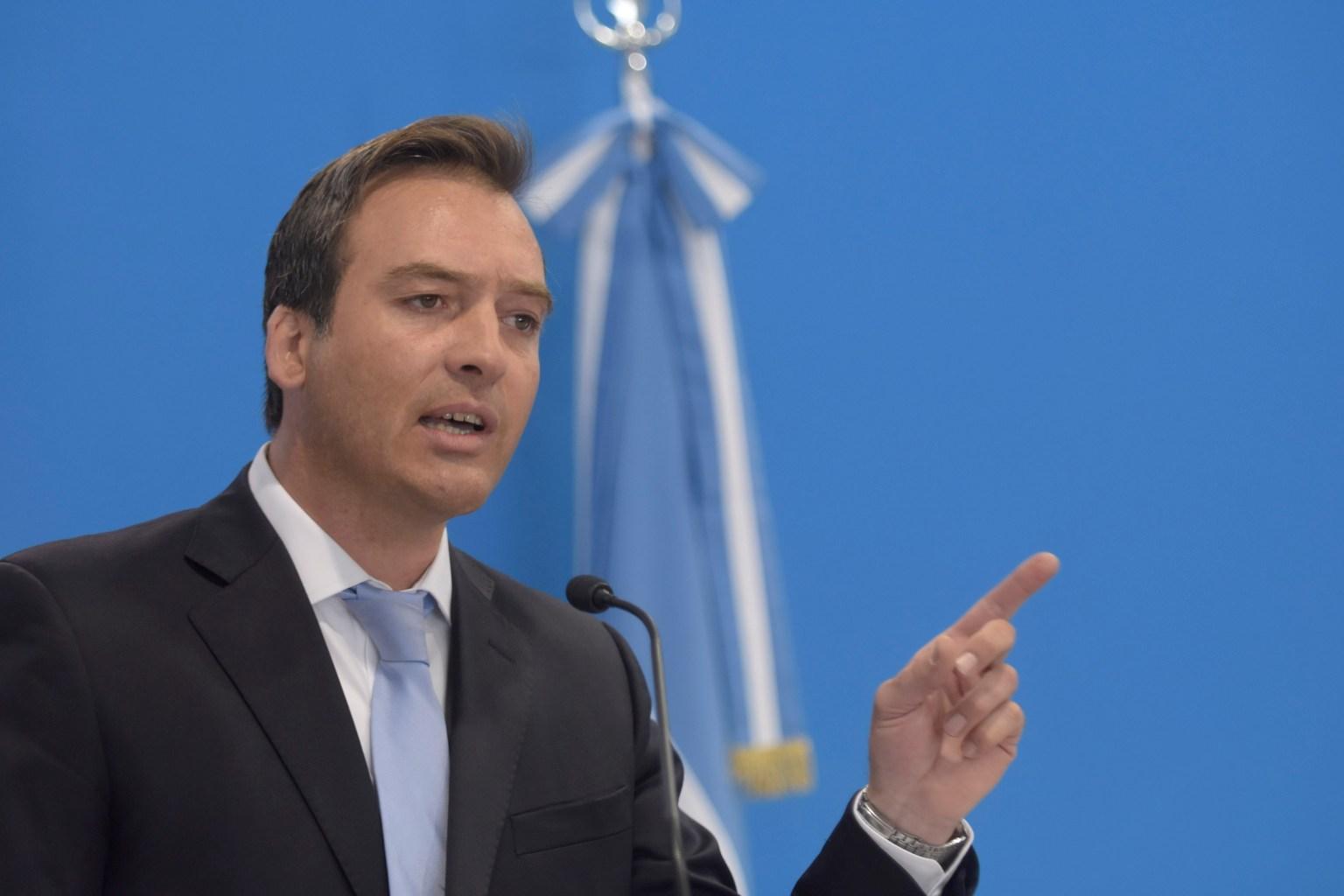 Ministro de Justicia va a comisión que preside Pérez Araujo