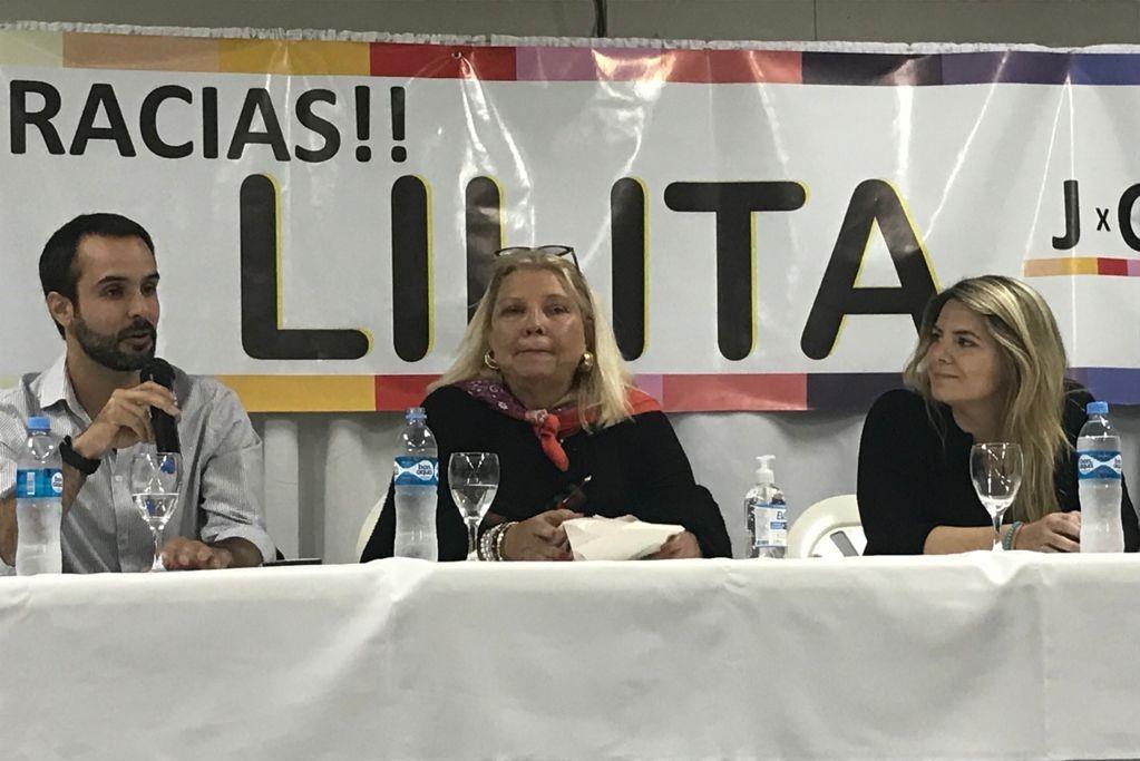 """Sin previo aviso, """"Lilita"""" Carrió estuvo en Trenel junto con los candidatos de JxC"""